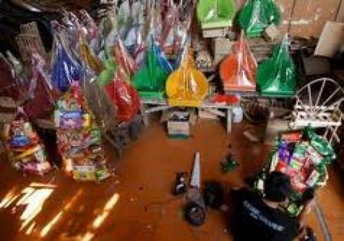 Pentingnya Mendorong Pelaku Usaha Mikro Dalam Badan Usaha Milik Desa (BUMDes)