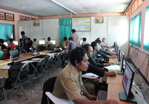 Pelatihan Jurnalisme dan Design Grafis (Photo editing) Dalam Rangka Optimalisasi Website Batur Global Geopark