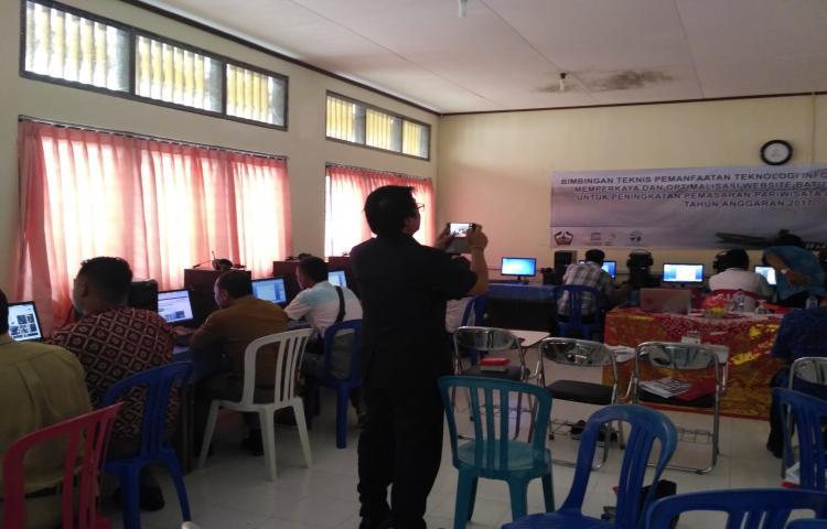 Bimbingan-Teknis-Pemanfaatan-Teknologi-Informasi-Dalam-Pemasaran-Pariwisata-Kabupaten-Bangli-Tahun-2017.html