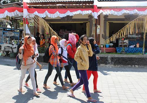 WISDOM Yang berkunjung ke Festival Danau Batur III Tahun 2013