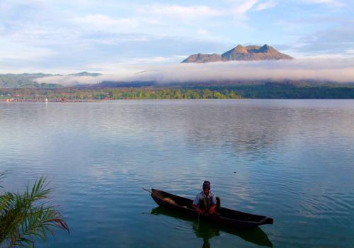 Gunung dan Danau