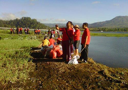 Kegiatan Bersih-bersih Sampah Plastik di Sekitar Danau Batur Jumat, 25 Mei 2012