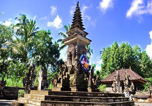 Monumen Pahlawan Panglipuran