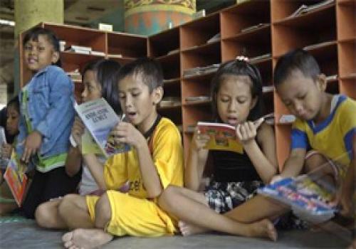 Membangun-Masyarakat-Mencintai-Perpustakaan.html