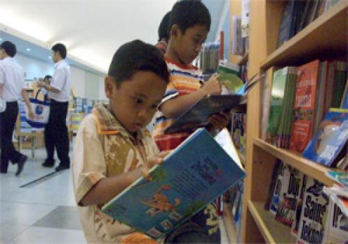 Menumbuhkan-Minat-Baca-Anak-Usia-Sekolah.html