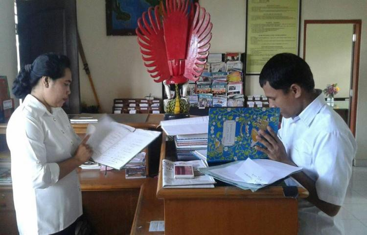 Pendataan Perpustakaan Sekolah di SMPN 1 Tembuku
