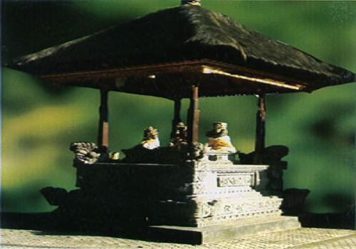 Palinggih Lingga-Yoni