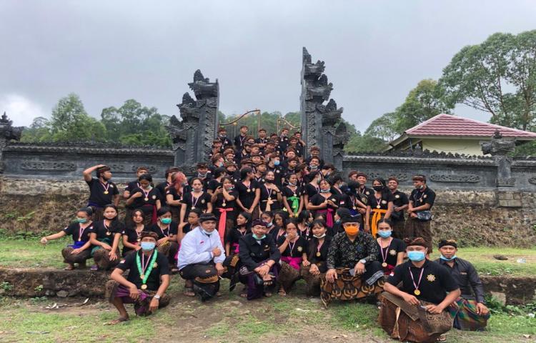 Pengukuhan STT Desa Adat Banjar Bukit Sari Desa Songan B