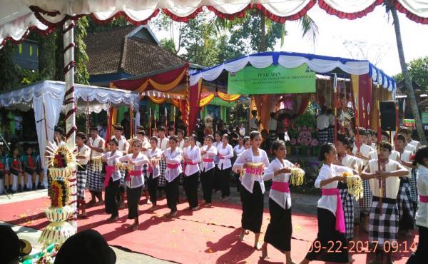 Suasana-penerimaan-Tim-Penilai-LSS-Provinsi-Bali-di-SMP-N-1-Bangli-Jumat-22-September-2017.html