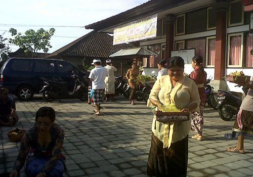 Persembahyangan Bersama  Saraswati