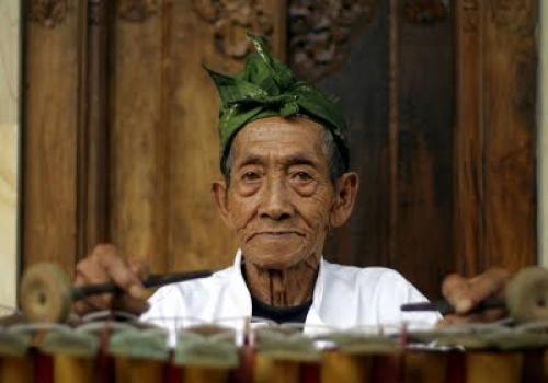 Seniman Bali