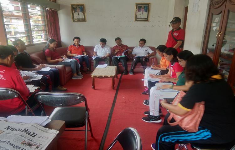 Rapat-Tim-Evaluasi-Perkembangan-Desa.html