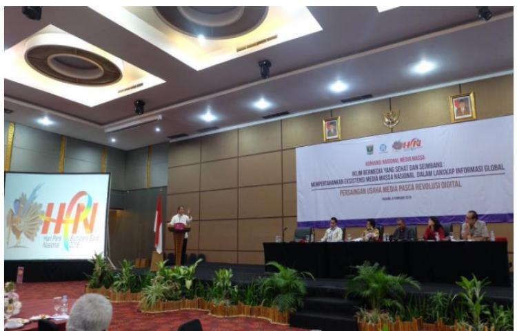 Inilah-Pantun-Menteri-Kominfo-untuk-Insan-Pers-Indonesia.html