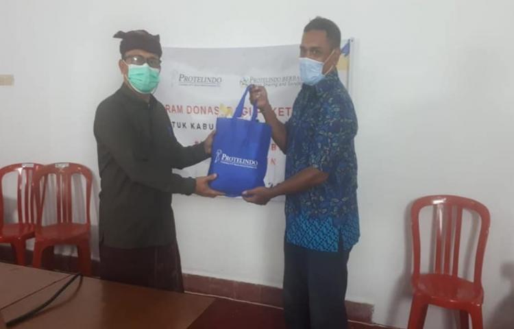 Serah-Terima-84-Paket-Sembako-dari-Protelindo-Area-Balinusra.html