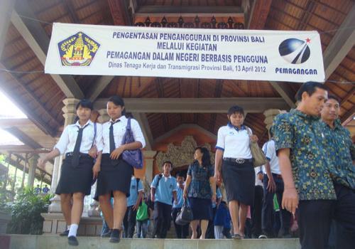 Gubernur-Bali-Buka-Pelatihan-Pemagangan-Dalam-Negeri-Berbasis-Pengguna.html