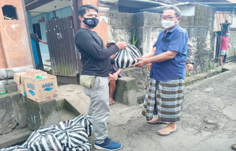 DROPING-BANTUAN--KEPADA-MASYARAKAT-YANG-DIISOLASI.html