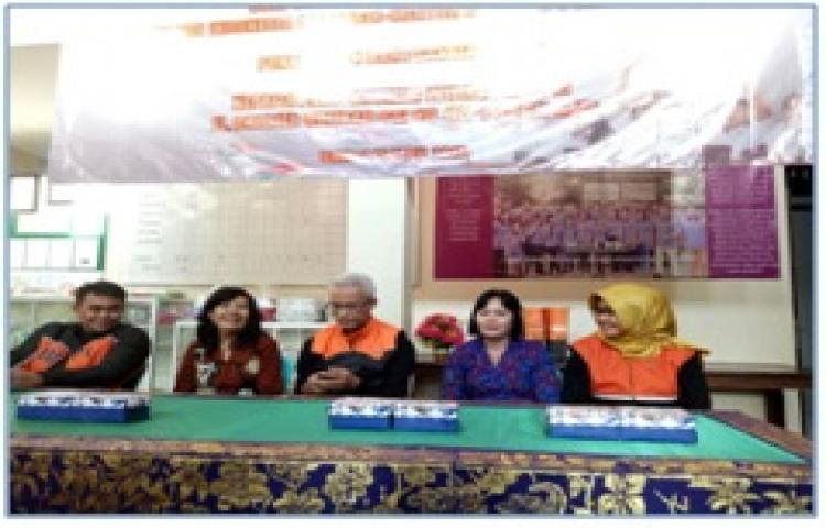 MENDAMPINGI-PENERIMAAN-BANTUAN-DARI-PT-POS-INDONESIA-DI-PANTI-ASUHAN-WIDIASIH-BANGLI.html
