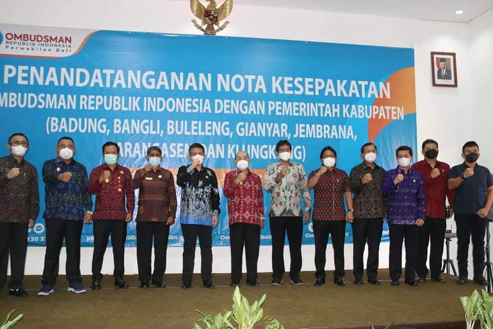 Bupati Bangli SN Sedana Arta menghadiri pelaksanaan Penandatanganan Naskah Nota Kesepakatan dengan  Ombudsman RI.